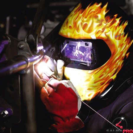 dettaglio saldatura  con casco Speedglas Blaze 100V 3M 751620